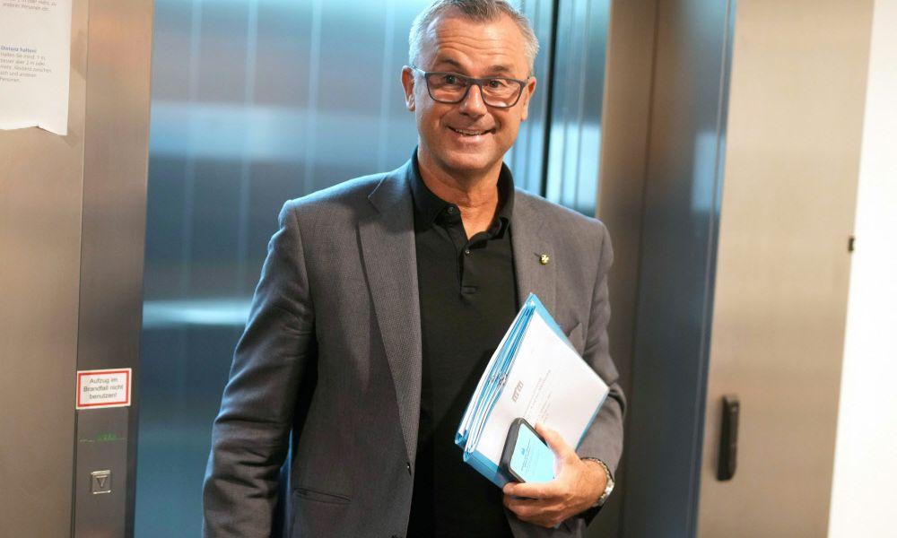 Dritter Nationalratspräsident Hofer gegen 3G-Regel im Parlament